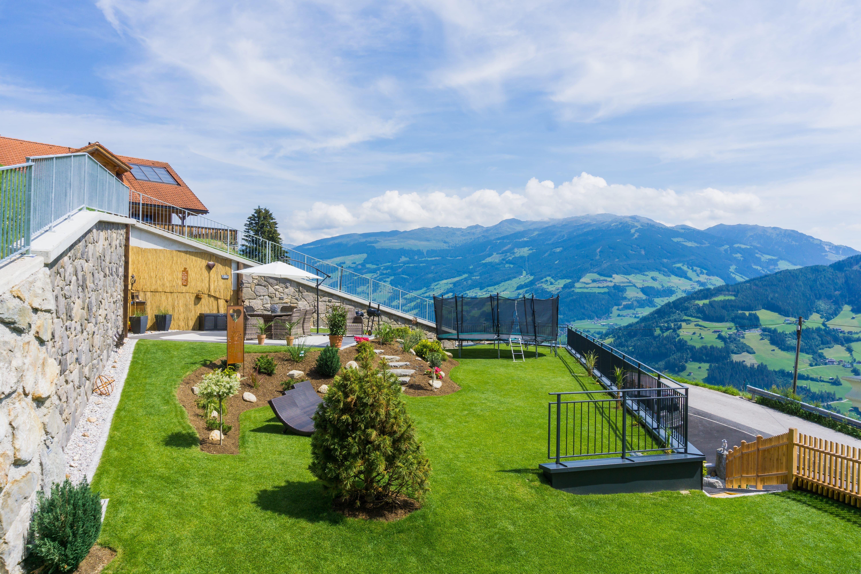 Ferienhaus Johanna Garten Garten mit Traumausblick!